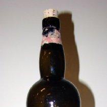 Image of 1973.002.012 - Bottle