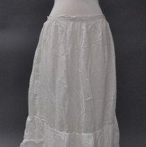 Image of 1974.083.041 - Petticoat