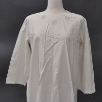 Image of 1975.083.152 - Nightgown