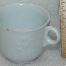 Image of 1975.163.001 - Teacup