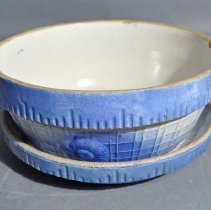 Image of 1975.166.001ab - Bowl, Covered