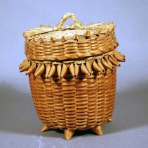 Image of 1976.190.001ab - Basket, Household