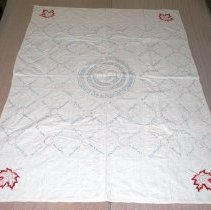 Image of 1977.026.001 - Quilt, Bed