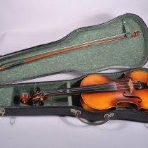 Image of 1980.199.003 - Violin