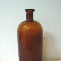 Image of 1982.022.015 - Bottle