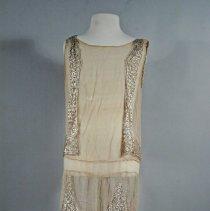 Image of 1982.061.034 - Dress