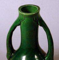 Image of 1987.045.013 - Vase