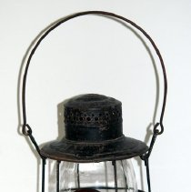 Image of 1990.016.004abc - Lamp, Carriage
