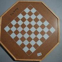 Image of 2010.052.002 - Game, Crokinole