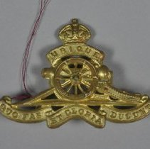 Image of 2012.024.009 - Badge, Military