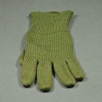 Image of 2012.075.004 - Glove