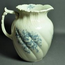 Image of Pitcher - Right side