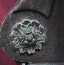 Image of Medallion Decor at Left Side of Backboard