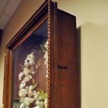 Image of Wreath, Floral - Right side of shadowbox