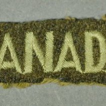 Image of 2014.047.011 - Badge, Military