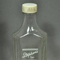 Image of 1995.035.008ab - Bottle, Medicine