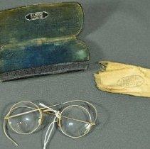 Image of 2005.023.002 - Eyeglasses