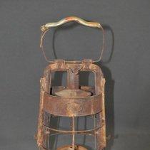 Image of 1972.041.013ab - Lantern, Kerosene