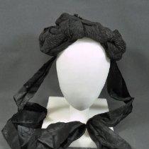 Image of 1963.064.002 - Bonnet