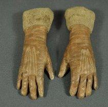 Image of 1974.083.160ab - Glove