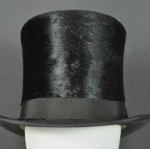 Image of 1983.036.001 - Hat, Top