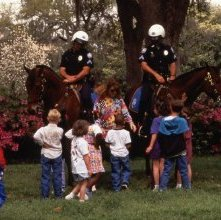 Image of 0123-045_09-02-337 - Mounted Police in Forsyth Park