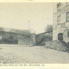 Image of 1121-057_0078 - THE OLD COBBLESTONE ROAD ON THE BAY, SAVANNAH GA.