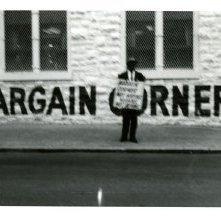 Image of 1121-100_0647 - Bargain Corner Demonstration