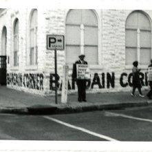 Image of 1121-100_0662 - Bargain Corner Demonstration
