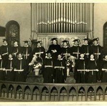 Image of 1121-100_0667 - Women Graduates
