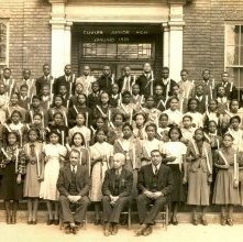 Image of 1121-100_0675 - Cuyler Junior High Graduates