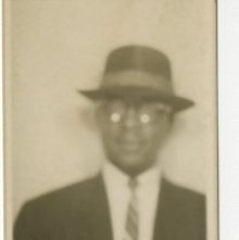 Image of 1121-100_1538 - Unidentified Man