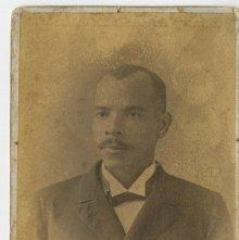 Image of 1121-100_1659 - Portrait of a Man
