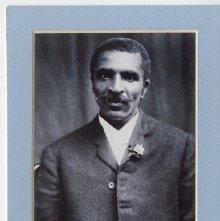 Image of 1121-100_1684 - Portrait of a Man