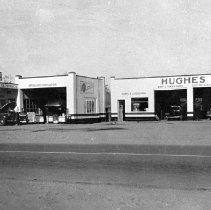 Image of Hughes Garage 1941 - Hughes Garage 1941