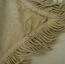 Image of Fringe stain detail