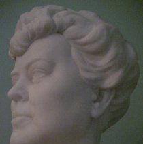 Image of Alva Belmont bust, side 2