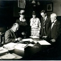 Image of Photographic Records of the National Woman's Party-Action Photos - 1919.001.072.02