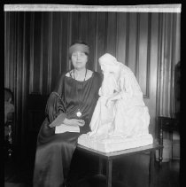 Image of Edith Ogden Heidel with The Thinking Woman
