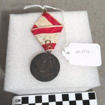 Image of 00.17.2 Medal, Red Cross, verso