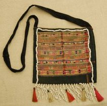 Image of Artist unknown, Purse, Hmong, Cotton/Seed/Bristle