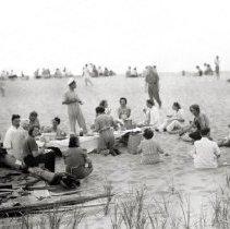 Image of Hazelhurst Camp - Summer Activities - Picnic - pc-6-4-3-a-m