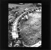 Image of Beskrevet i fortegnelse fra protokol 4000.4.3.  Med dias som dette blev danske broingeniørstuderende op gennem det 20. århundrede undervist af samtidens markante professorer i brobygning.     Samlingen giver indblik i omfanget af viden, de studerende skulle tilegne sig i løbet af studieårene på læreanstalten. Ikke kun konstruktion og materialeforståelse, men også evnen til at se på helheden – broen i landskabet – var centralt i undervisningen og var medvirkende til at gøre danske broingeniører internationalt eftertragtede.