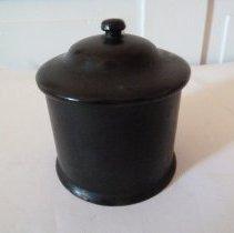 Image of 2013.335.377 - Jar, Cosmetic