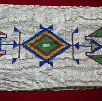 Image of 96.0039 Beaded Side1