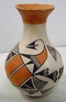 Image of 2002.146.022 - Vase