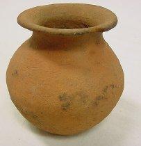 Image of 2002.146.033 - Pot