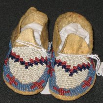 Image of 1975.159.024.1-.2 - Moccasin