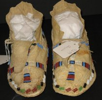 Image of 1993.089.001-.002 - Moccasin