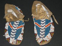 Image of 1997.082.004.1-.2 - Moccasin